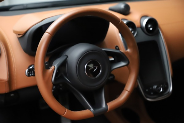 Used 2017 McLaren 570S for sale $154,900 at Bugatti of Greenwich in Greenwich CT 06830 16