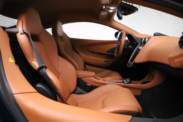 Used 2017 McLaren 570S for sale $154,900 at Bugatti of Greenwich in Greenwich CT 06830 19