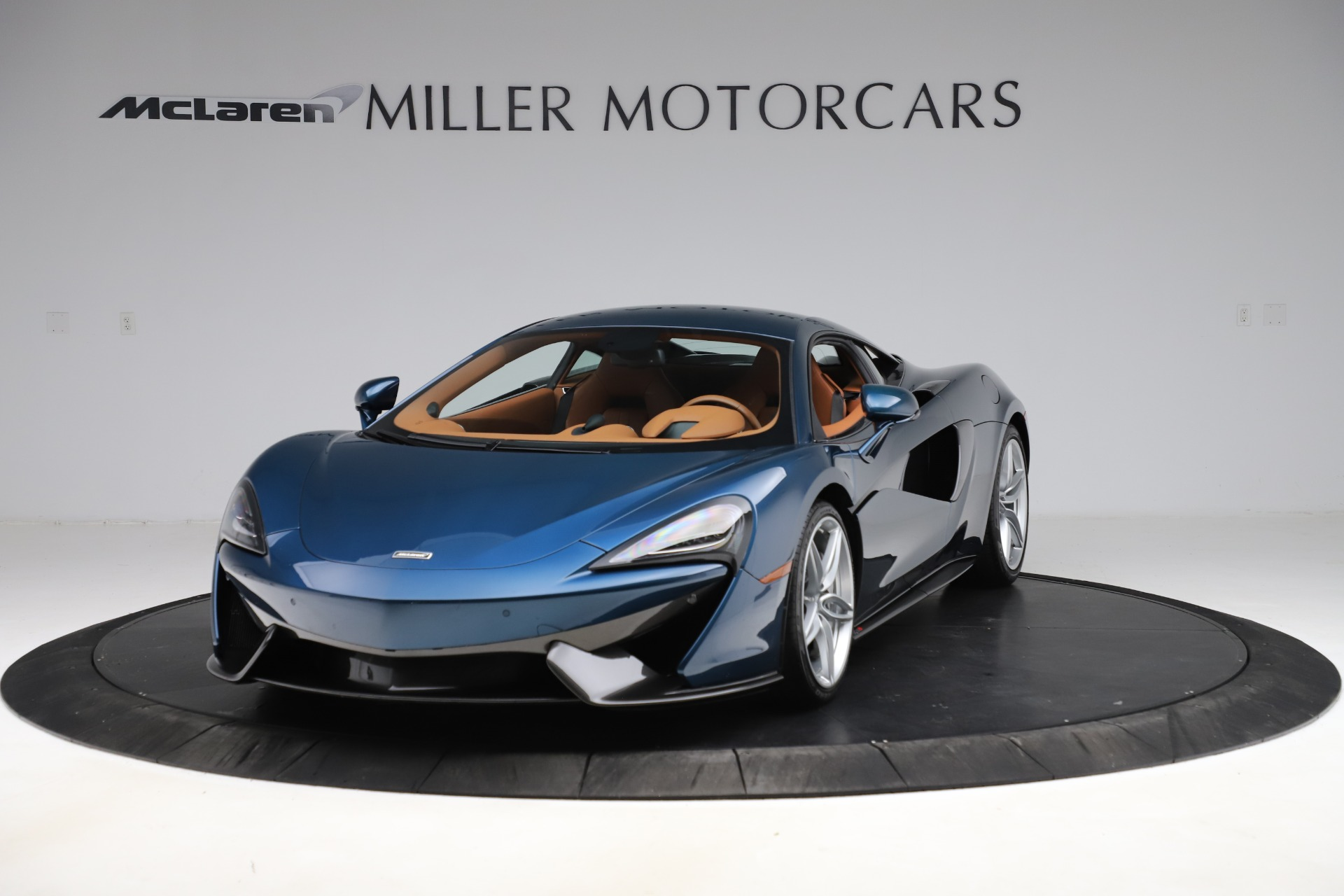 Used 2017 McLaren 570S for sale $154,900 at Bugatti of Greenwich in Greenwich CT 06830 1