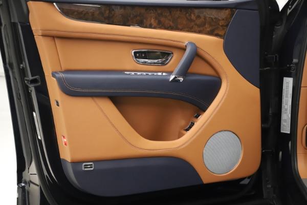 New 2020 Bentley Bentayga Hybrid for sale $189,500 at Bugatti of Greenwich in Greenwich CT 06830 17