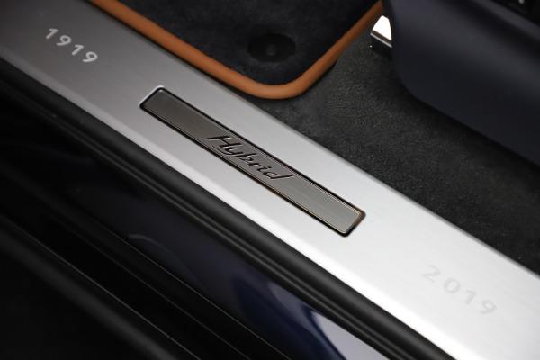 New 2020 Bentley Bentayga Hybrid for sale $189,500 at Bugatti of Greenwich in Greenwich CT 06830 18