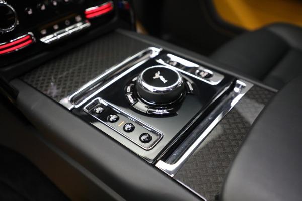 New 2020 Rolls-Royce Cullinan Black Badge for sale $436,275 at Bugatti of Greenwich in Greenwich CT 06830 27