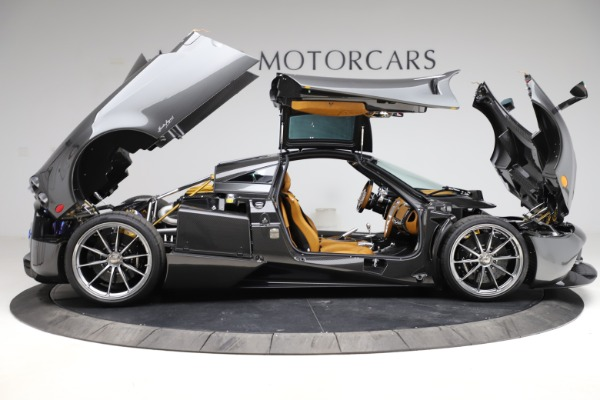 Used 2014 Pagani Huayra Tempesta for sale $2,195,000 at Bugatti of Greenwich in Greenwich CT 06830 22
