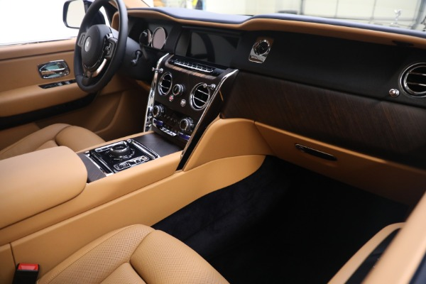 Used 2020 Rolls-Royce Cullinan for sale Call for price at Bugatti of Greenwich in Greenwich CT 06830 16