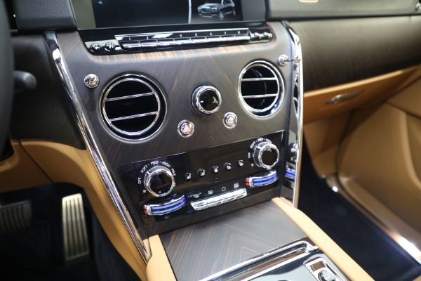 Used 2020 Rolls-Royce Cullinan for sale Call for price at Bugatti of Greenwich in Greenwich CT 06830 24