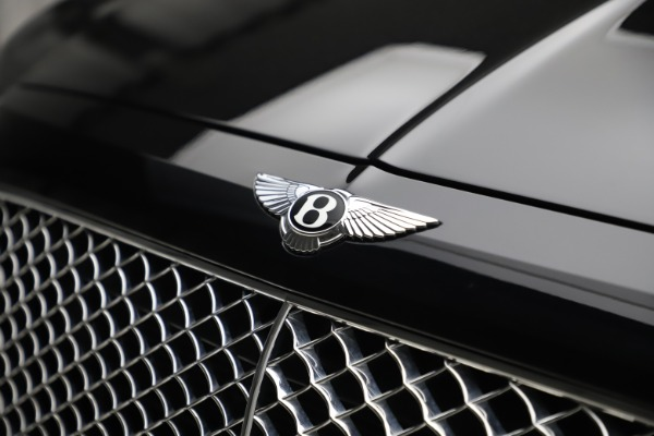 Used 2017 Bentley Bentayga W12 for sale $145,900 at Bugatti of Greenwich in Greenwich CT 06830 14