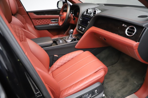 Used 2017 Bentley Bentayga W12 for sale $145,900 at Bugatti of Greenwich in Greenwich CT 06830 25