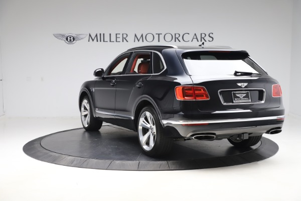 Used 2017 Bentley Bentayga W12 for sale $145,900 at Bugatti of Greenwich in Greenwich CT 06830 5