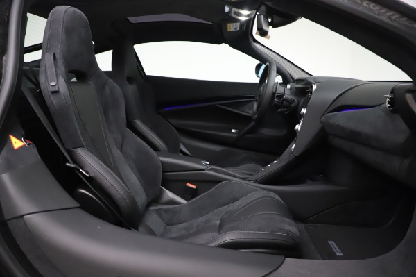 New 2020 McLaren 720S Coupe for sale $347,550 at Bugatti of Greenwich in Greenwich CT 06830 17