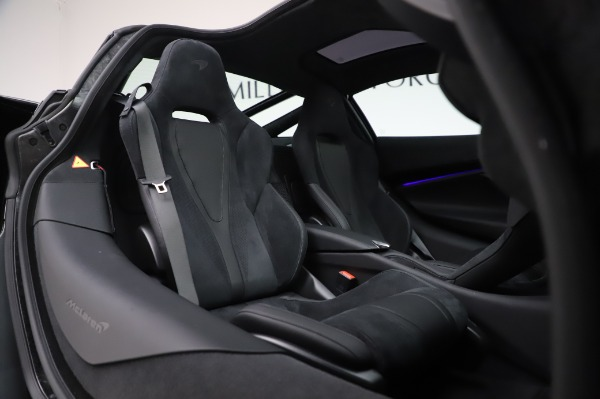 New 2020 McLaren 720S Coupe for sale $347,550 at Bugatti of Greenwich in Greenwich CT 06830 18