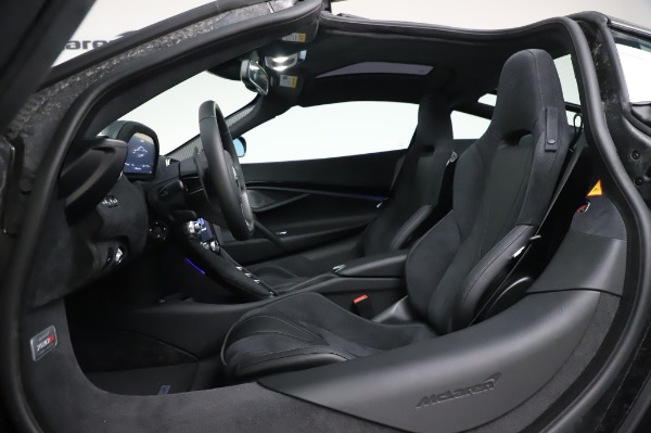 New 2020 McLaren 720S Coupe for sale $347,550 at Bugatti of Greenwich in Greenwich CT 06830 19