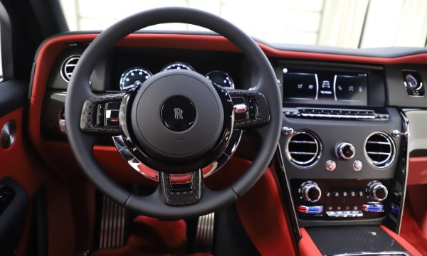 New 2020 Rolls-Royce Cullinan Black Badge for sale $433,950 at Bugatti of Greenwich in Greenwich CT 06830 19