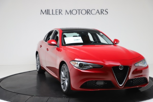 New 2020 Alfa Romeo Giulia Q4 for sale $46,395 at Bugatti of Greenwich in Greenwich CT 06830 11