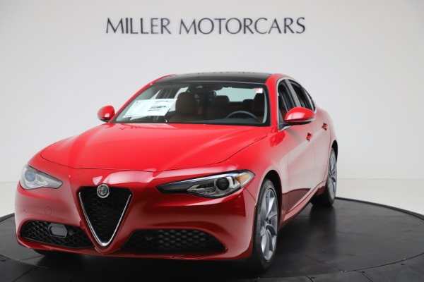 New 2020 Alfa Romeo Giulia Q4 for sale $46,395 at Bugatti of Greenwich in Greenwich CT 06830 1