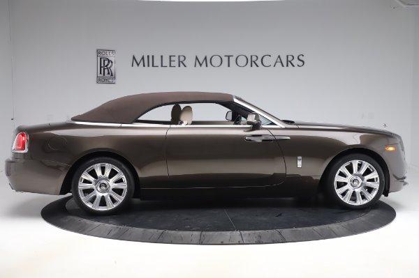 Used 2017 Rolls-Royce Dawn for sale $254,900 at Bugatti of Greenwich in Greenwich CT 06830 18
