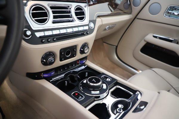 Used 2017 Rolls-Royce Dawn for sale $254,900 at Bugatti of Greenwich in Greenwich CT 06830 28