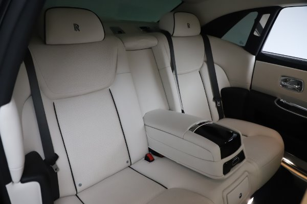 Used 2015 Rolls-Royce Ghost Base for sale Call for price at Bugatti of Greenwich in Greenwich CT 06830 15