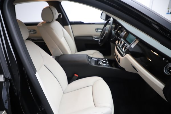 Used 2015 Rolls-Royce Ghost Base for sale Call for price at Bugatti of Greenwich in Greenwich CT 06830 16