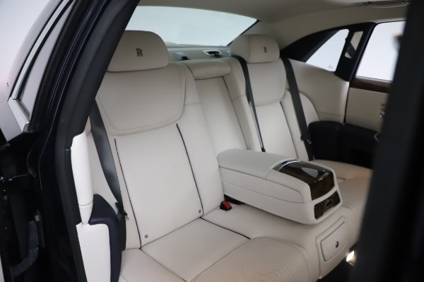 Used 2016 Rolls-Royce Ghost for sale $173,900 at Bugatti of Greenwich in Greenwich CT 06830 15