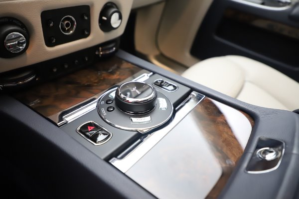 Used 2016 Rolls-Royce Ghost for sale $173,900 at Bugatti of Greenwich in Greenwich CT 06830 20
