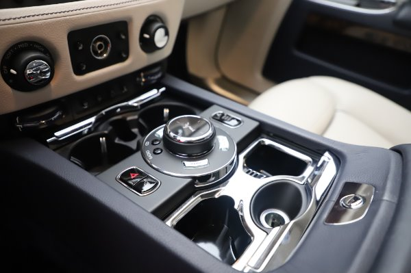 Used 2016 Rolls-Royce Ghost for sale $173,900 at Bugatti of Greenwich in Greenwich CT 06830 21