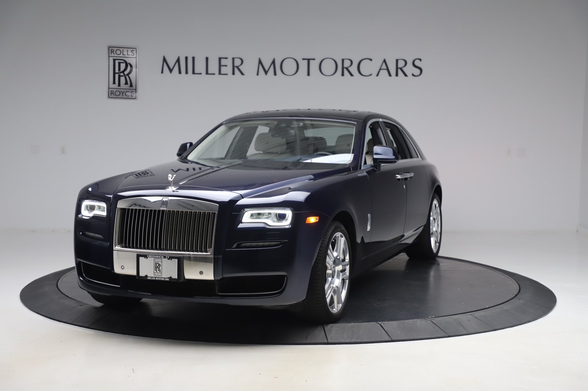 Used 2016 Rolls-Royce Ghost for sale $173,900 at Bugatti of Greenwich in Greenwich CT 06830 1