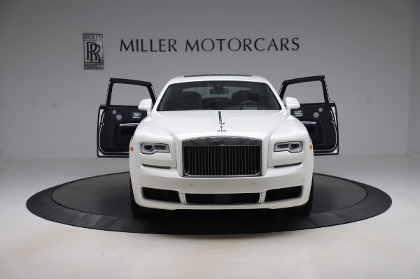 Used 2018 Rolls-Royce Ghost for sale $247,900 at Bugatti of Greenwich in Greenwich CT 06830 10