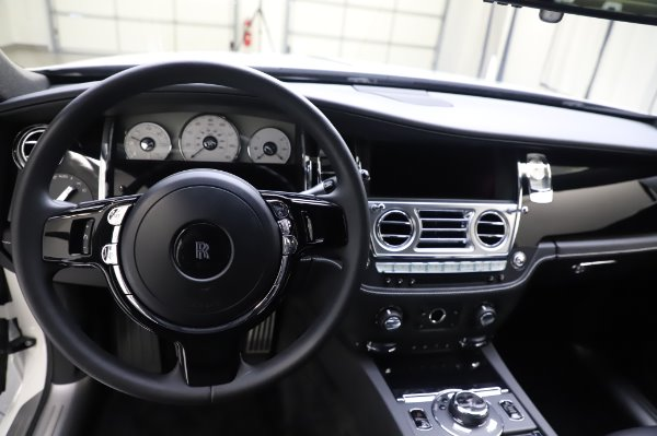 Used 2018 Rolls-Royce Ghost for sale $247,900 at Bugatti of Greenwich in Greenwich CT 06830 15