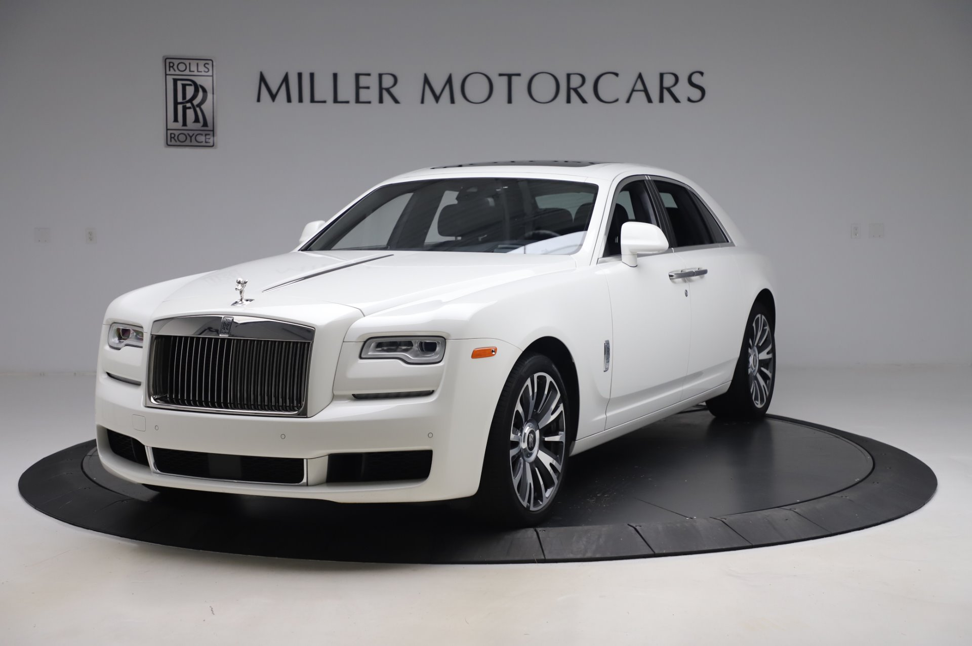 Used 2018 Rolls-Royce Ghost for sale $247,900 at Bugatti of Greenwich in Greenwich CT 06830 1