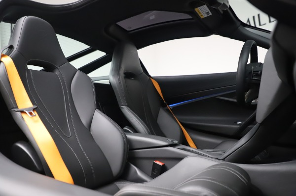 Used 2018 McLaren 720S Luxury for sale Call for price at Bugatti of Greenwich in Greenwich CT 06830 22