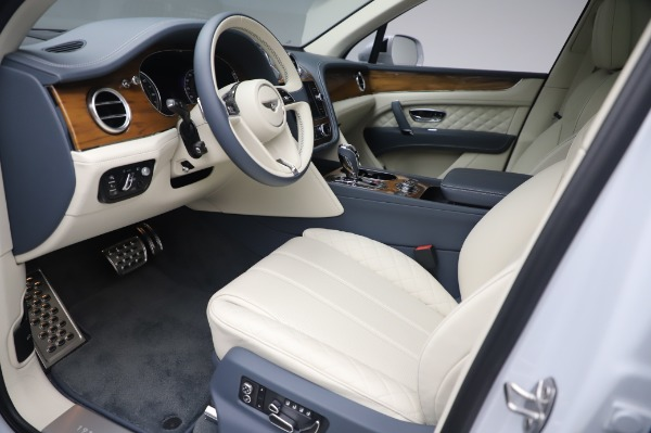 Used 2020 Bentley Bentayga Hybrid for sale $189,900 at Bugatti of Greenwich in Greenwich CT 06830 18