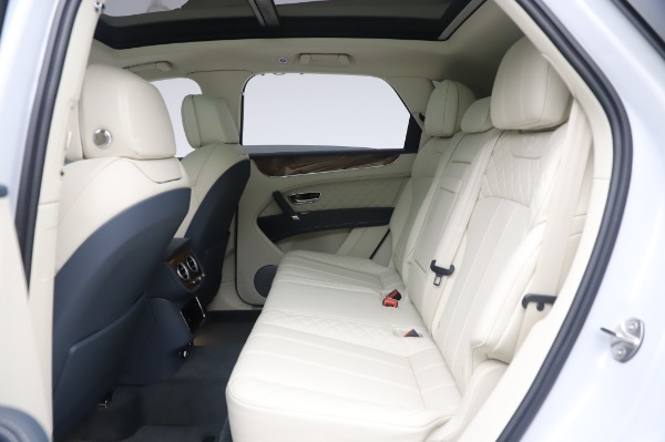 New 2020 Bentley Bentayga Hybrid for sale $220,475 at Bugatti of Greenwich in Greenwich CT 06830 23