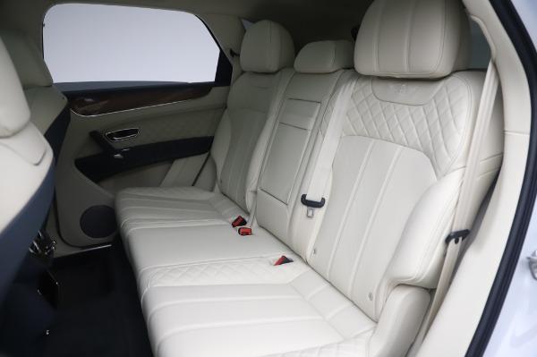 New 2020 Bentley Bentayga Hybrid for sale $220,475 at Bugatti of Greenwich in Greenwich CT 06830 24