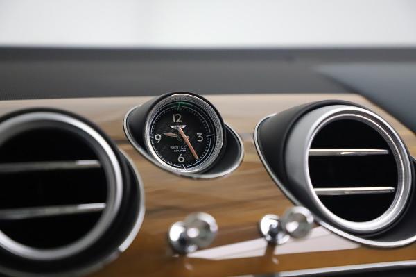 Used 2020 Bentley Bentayga Hybrid for sale $189,900 at Bugatti of Greenwich in Greenwich CT 06830 25