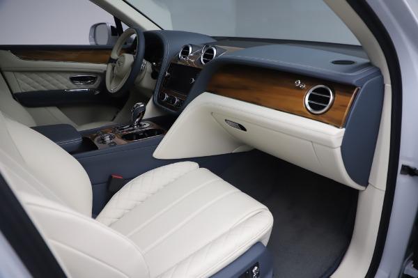 New 2020 Bentley Bentayga Hybrid for sale $220,475 at Bugatti of Greenwich in Greenwich CT 06830 26
