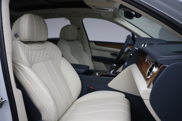 New 2020 Bentley Bentayga Hybrid for sale $220,475 at Bugatti of Greenwich in Greenwich CT 06830 28