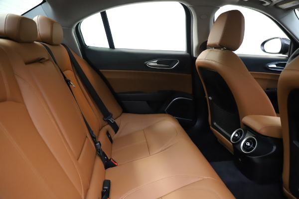 New 2020 Alfa Romeo Giulia Q4 for sale $42,845 at Bugatti of Greenwich in Greenwich CT 06830 26