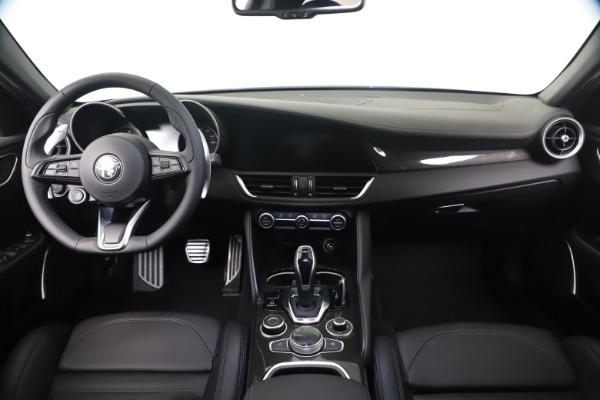 New 2020 Alfa Romeo Giulia Ti Sport Carbon Q4 for sale $51,640 at Bugatti of Greenwich in Greenwich CT 06830 16