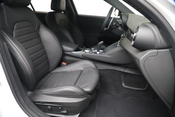New 2020 Alfa Romeo Giulia Ti Sport Carbon Q4 for sale $51,640 at Bugatti of Greenwich in Greenwich CT 06830 23
