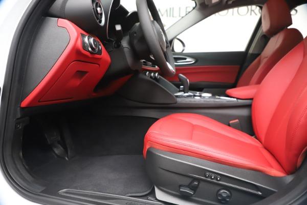 New 2020 Alfa Romeo Giulia Q4 for sale $44,845 at Bugatti of Greenwich in Greenwich CT 06830 14
