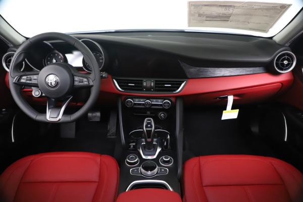 New 2020 Alfa Romeo Giulia Q4 for sale $44,845 at Bugatti of Greenwich in Greenwich CT 06830 16