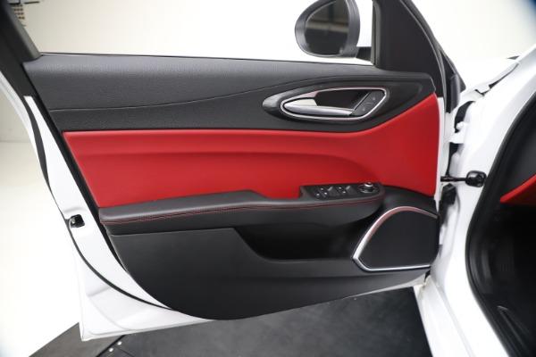 New 2020 Alfa Romeo Giulia Q4 for sale $44,845 at Bugatti of Greenwich in Greenwich CT 06830 17