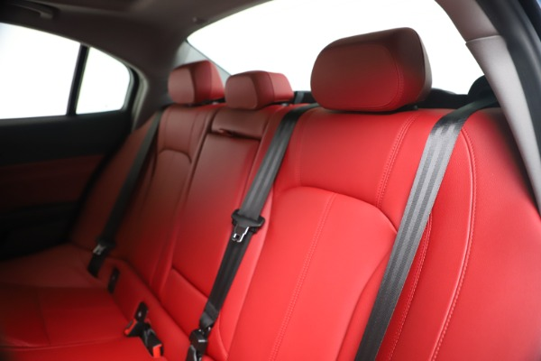 New 2020 Alfa Romeo Giulia Q4 for sale $44,845 at Bugatti of Greenwich in Greenwich CT 06830 18
