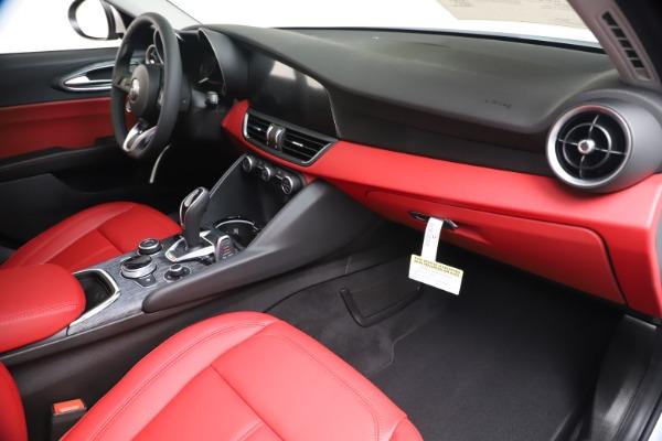 New 2020 Alfa Romeo Giulia Q4 for sale $44,845 at Bugatti of Greenwich in Greenwich CT 06830 22