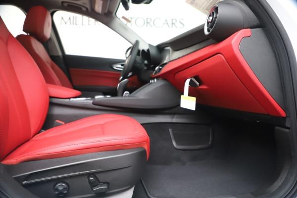 New 2020 Alfa Romeo Giulia Q4 for sale $44,845 at Bugatti of Greenwich in Greenwich CT 06830 23