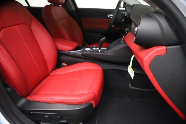 New 2020 Alfa Romeo Giulia Q4 for sale $44,845 at Bugatti of Greenwich in Greenwich CT 06830 24