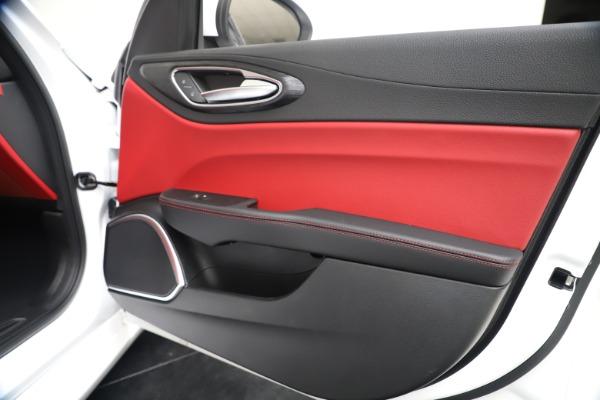 New 2020 Alfa Romeo Giulia Q4 for sale $44,845 at Bugatti of Greenwich in Greenwich CT 06830 25