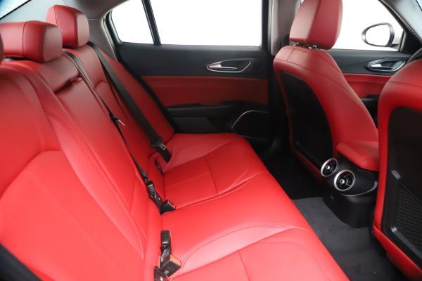 New 2020 Alfa Romeo Giulia Q4 for sale $44,845 at Bugatti of Greenwich in Greenwich CT 06830 27