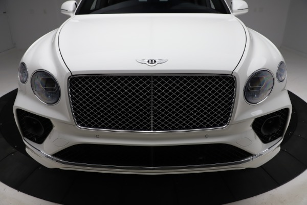New 2021 Bentley Bentayga V8 for sale $207,765 at Bugatti of Greenwich in Greenwich CT 06830 13