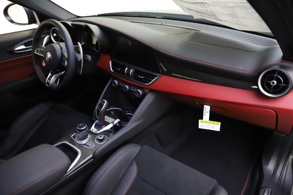 New 2020 Alfa Romeo Giulia Quadrifoglio for sale $87,445 at Bugatti of Greenwich in Greenwich CT 06830 23